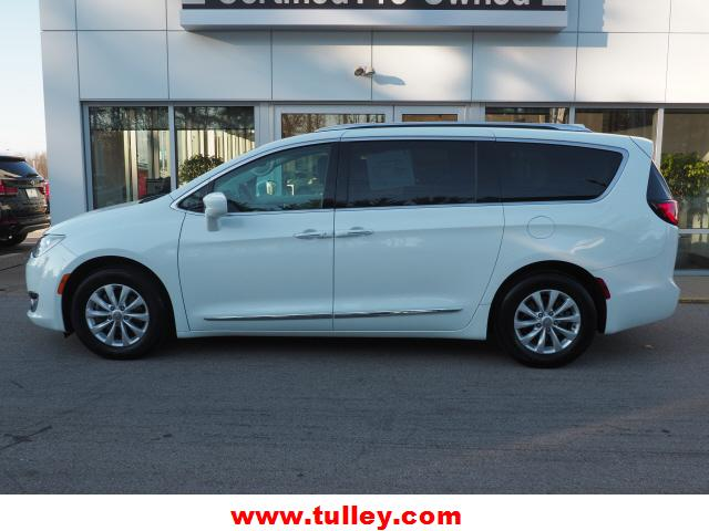 Pre-Owned 2019 Chrysler Pacifica Touring L FWD