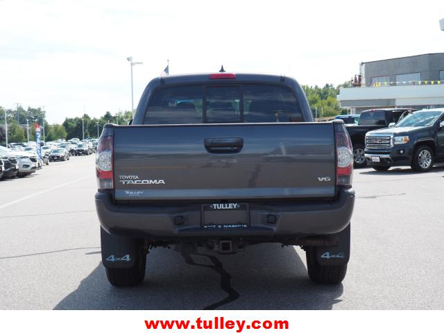 Pre-Owned 2014 Toyota Tacoma 4WD Double Cab V6 AT
