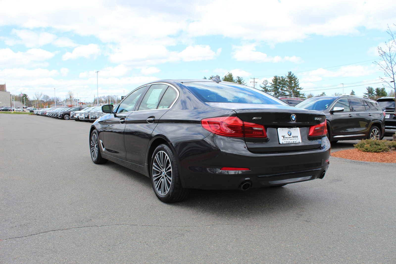 Pre-Owned 2017 BMW 5 Series 530i xDrive Sedan