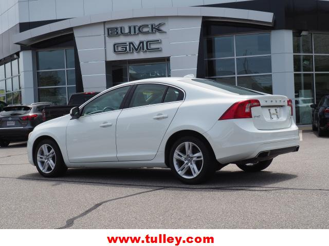 Pre-Owned 2015 Volvo S60 4dr Sdn T5 Premier Plus AWD